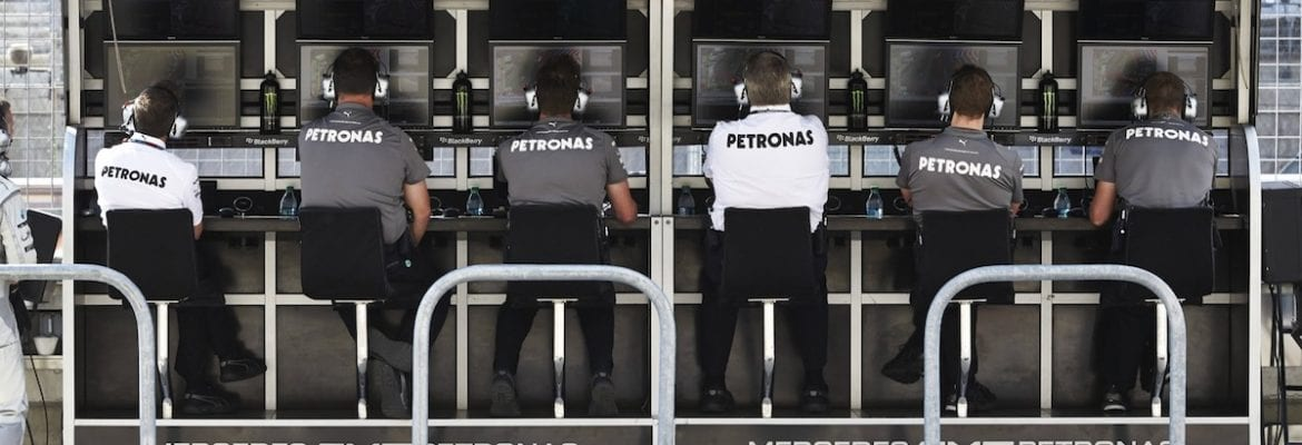 Mercedes - Pit-wall